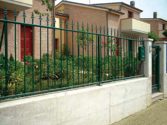 Pannello recinzione modulare in ferro tubolare zincato for Poli arredamenti