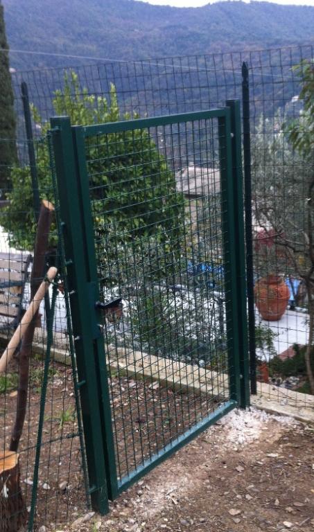 Cancello garden con rete saldata 50x50x4 mm telaio 35 - Recinti per giardino ...
