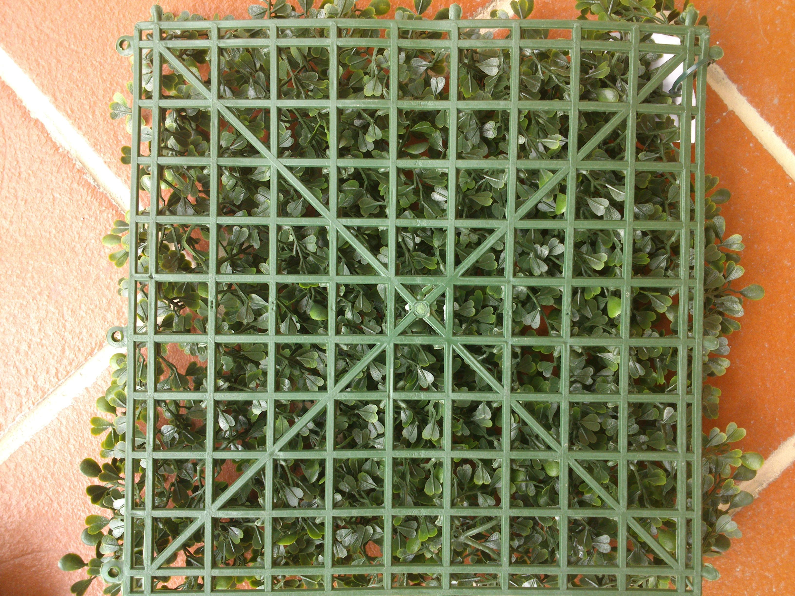 Siepe finta artificiale formato piastrella cm con foglie di